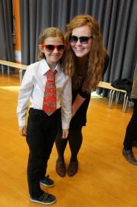 Charlotte und ihre Lehrerin nach der Theateraufführung